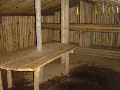 hut_1_interieur.jpg