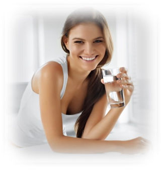 Frau mit Glas.jpg