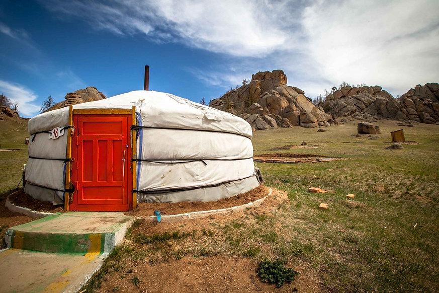 mongolian-yurt-mongolia_l.jpeg