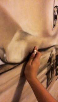 Desenho feito em painel de madeira para decoração residencial. O desenho foi feito com uma foto de referência da fotógrafa inglesa Claire Luxton.  Tamanho: 2 x 1.70m Material: grafite, giz pastel, lápis pastel seco  Dezembro de 2017