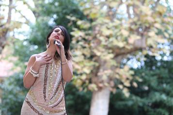 Io voglio cantare come cantano gli uccelli senza preoccuparmi di chi ascolta o di cosa pensi. (Gialal Al-Din Rumi)