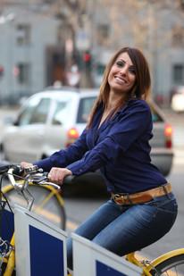 pedalare senza fretta la domenica mattina, fra i capelli una goccia di brina ma che faccia rossa da bambina... (R. Cocciante)