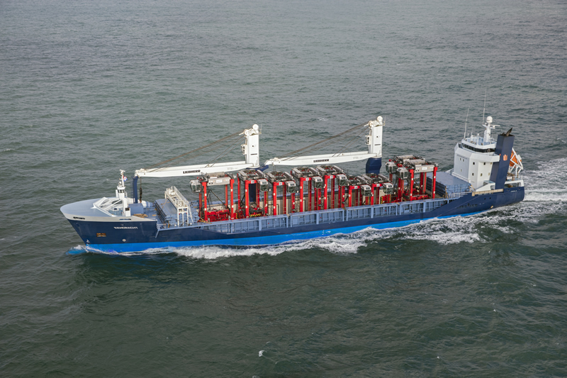 Straddle Carriers shipped open top