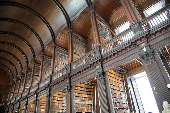 Biblioteca_Università_Dublino_2.jpg