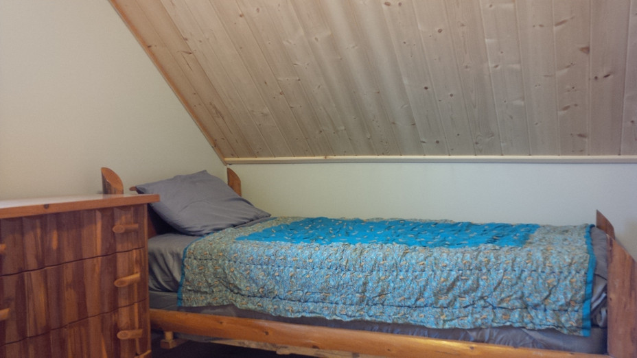 STP Bedroom 2 Single.jpg