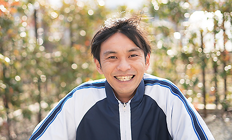 職員藤田直輝写真