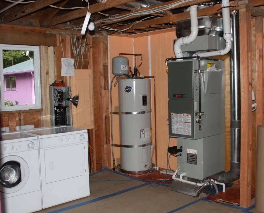 new-gas-furnace-installation_edited.jpg