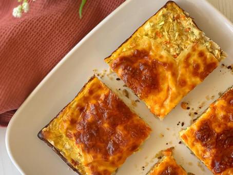 Tarta de zucchini, zanahoria y cebolla