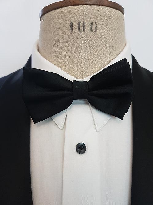 Black Silk Self-Tie Bow Tie