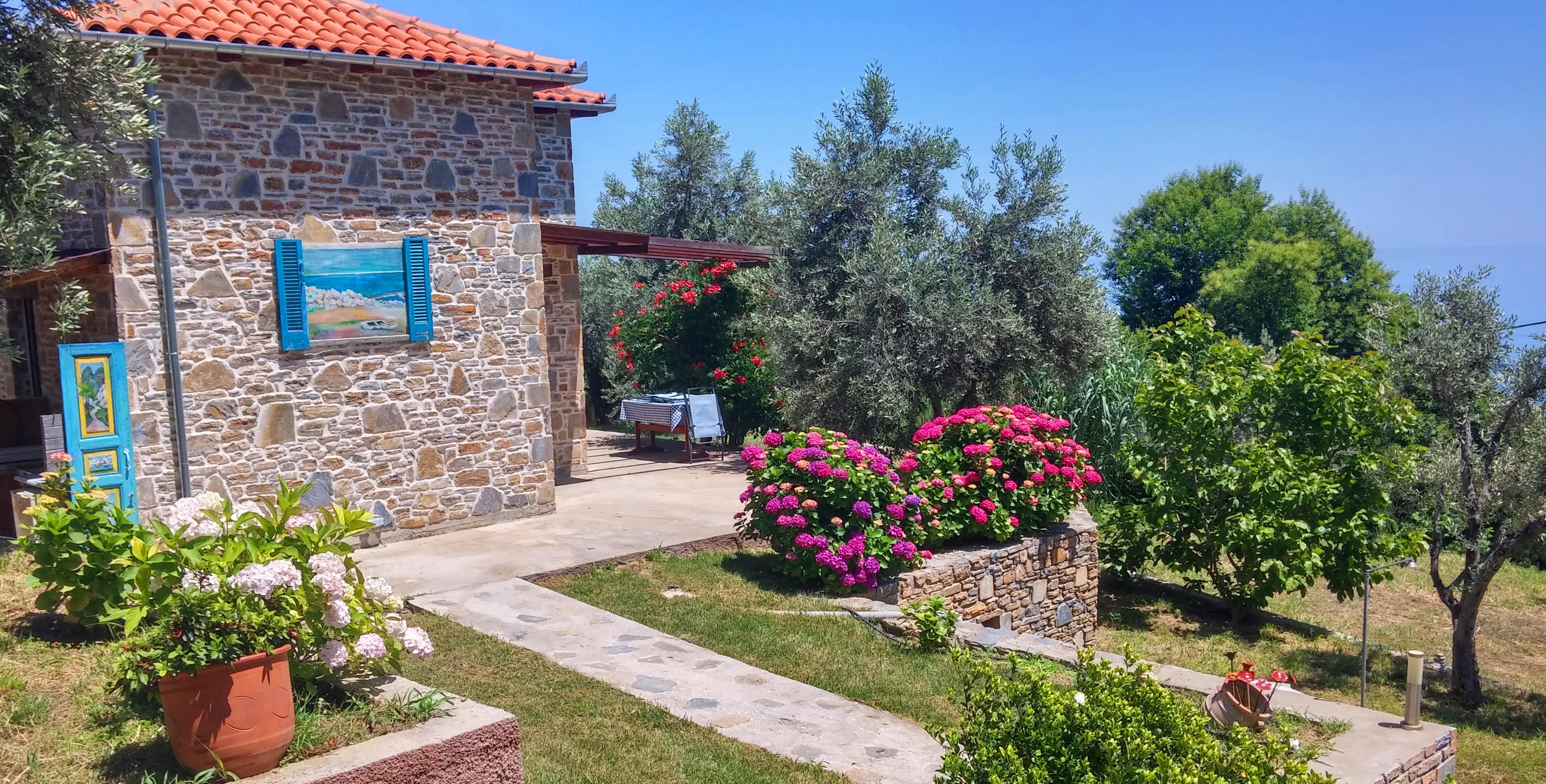 Garden - Orlys' Villas