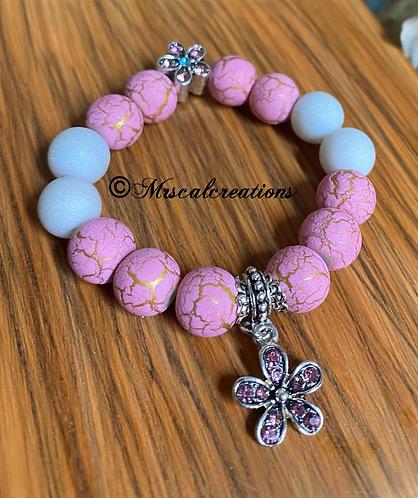 Kid's PinkAnd White Flower Bracelet!