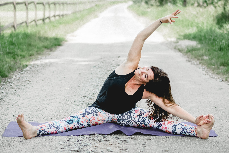 3 Yoga Christina PetzoldDSC_0251-52-5