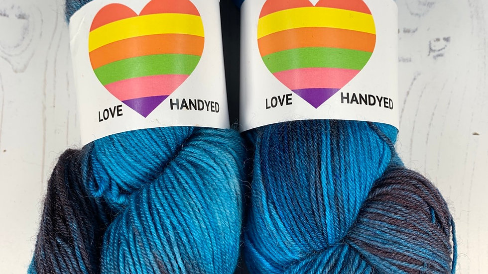 4ply Sock Yarn - Blue Bubblegum