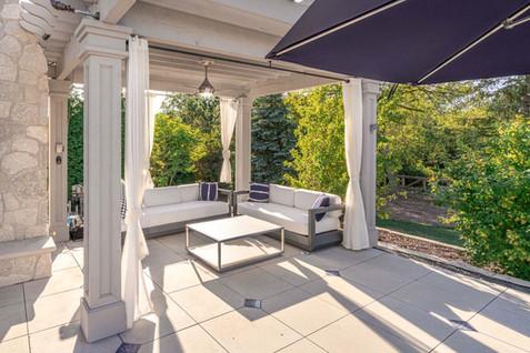 oakbrook-patio.jpg