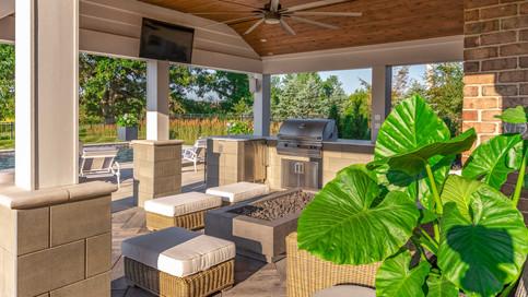lakewood-outdoor-livingroom.jpg