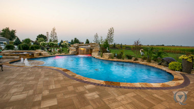 minooka-swimming-pool-hardscape.jpg