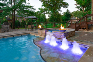lakewood-swimming-pool-fountains.jpg