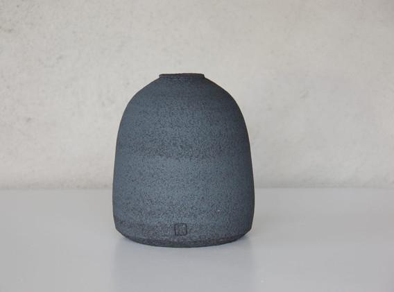 Vase-gres-noir-