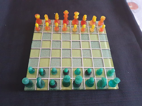 Small chess set yellow and green