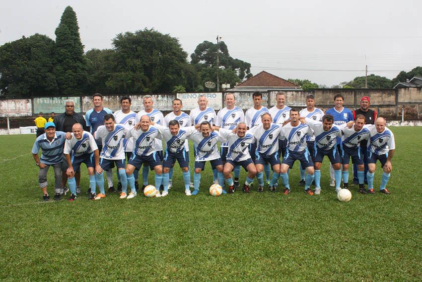 Time do União Forquetense, do técnico Sílvio dos Santos