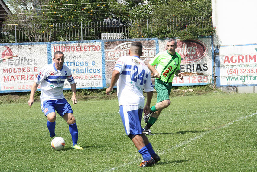 Na casa do adversário, os veteranos do São Luiz aplicaram goleada de 5x0 sobre o Conceição da Linha Feijó