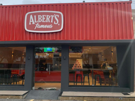 Franquia da Albert's Famous é inaugurada em Aracaju