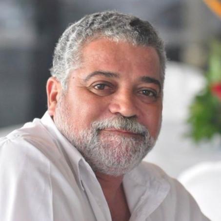 Política by Adiberto de Souza