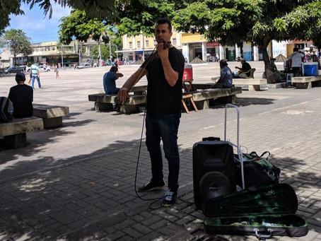 Violinista sergipano viaja o Nordeste para apresentar sua arte como fonte de renda