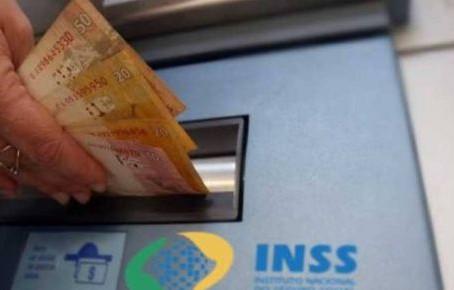 INSS começa a pagar 13º de aposentados e pensionistas na terça; veja calendário