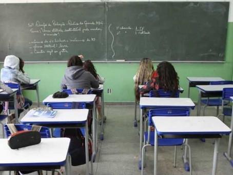 Índice de estudantes atrasados chega a quase 10% na região