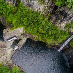 Cascade et bassin de Takamaka