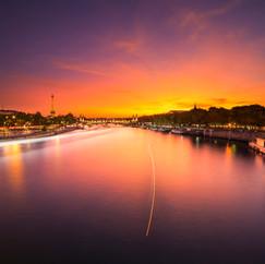 Coucher de soleil parisien  Retrouvez cette photo sur le SHOP :