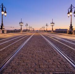 Lever de soleil sur le Pont de Pierre  Retrouvez cette photo dans le SHOP :
