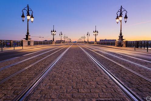 Lever de soleil sur le pont de Pierre, Bordeaux