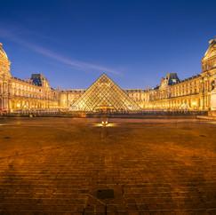 Un nuit au Louvre  Retrouvez cette photo sur le SHOP :