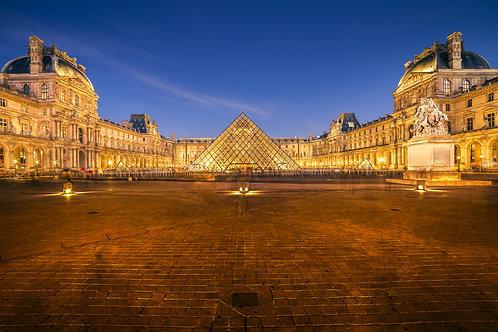 Une nuit au Louvre, Paris
