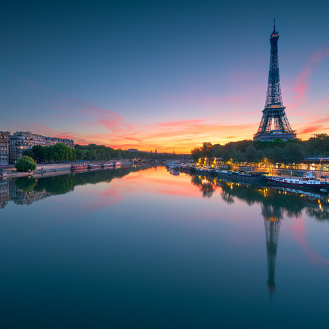 Parisian sunrise  Retrouvez cette photo sur le SHOP :