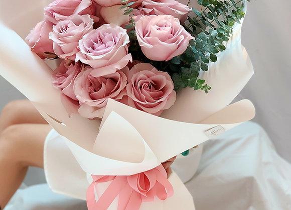 WHITE/PINK ROSES