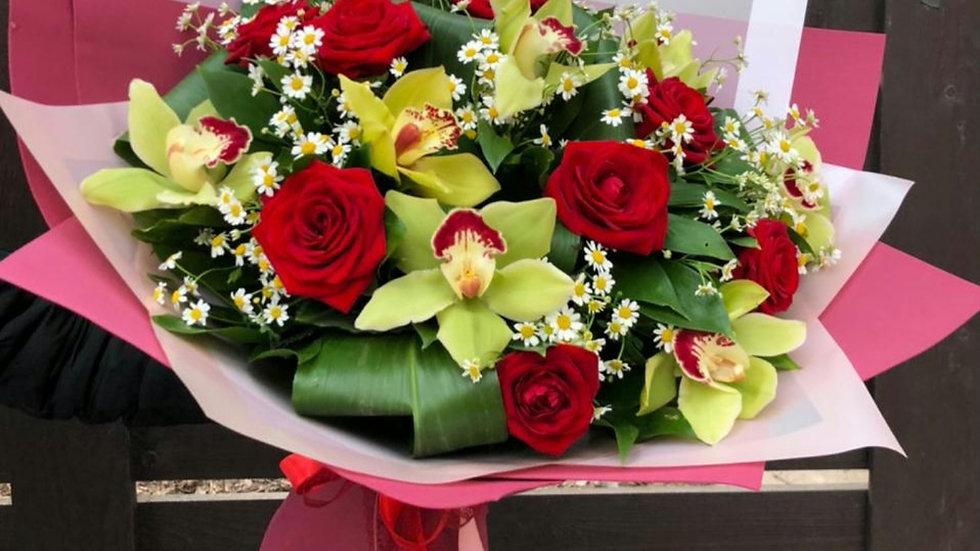 Букет, розы и орхидеи