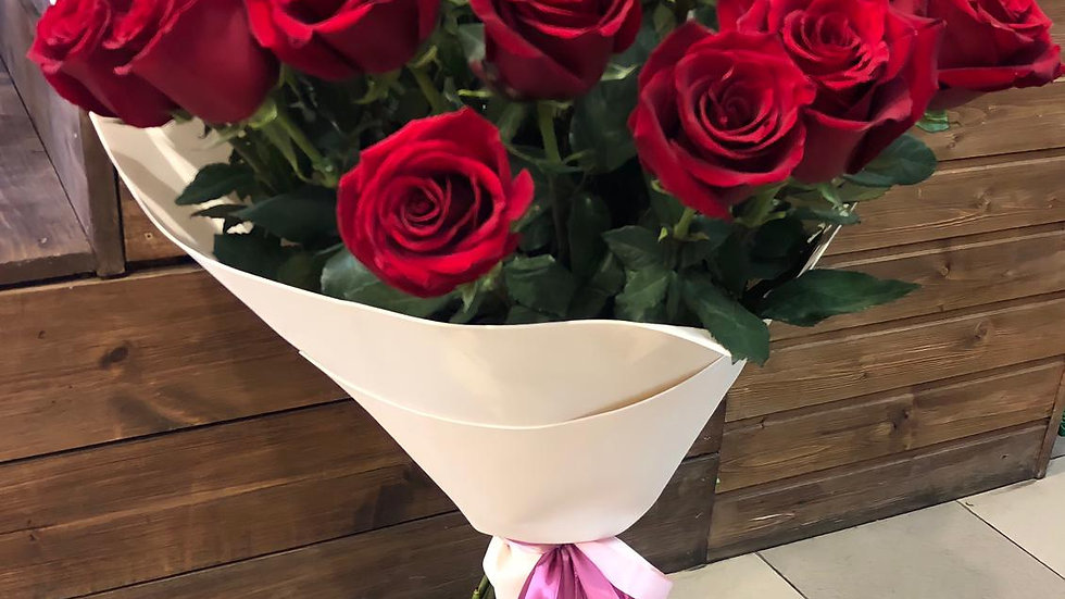 33 розы