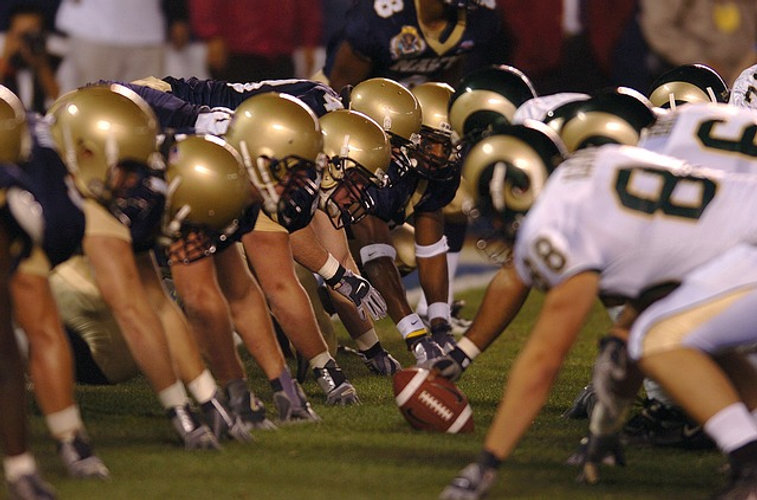 american-football-super-bowl-nfl-sports-fight.jpg