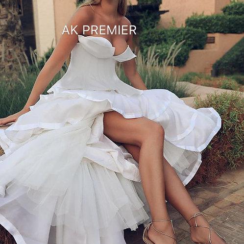 CWS Modern strapless Wedding Maison Magenta in white