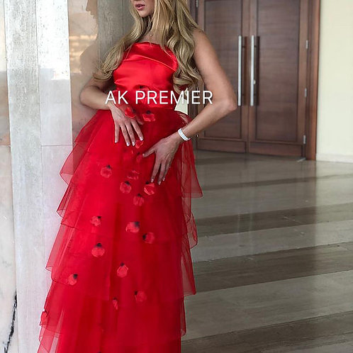 CWS Marchesa elegant embroidered red evening dress