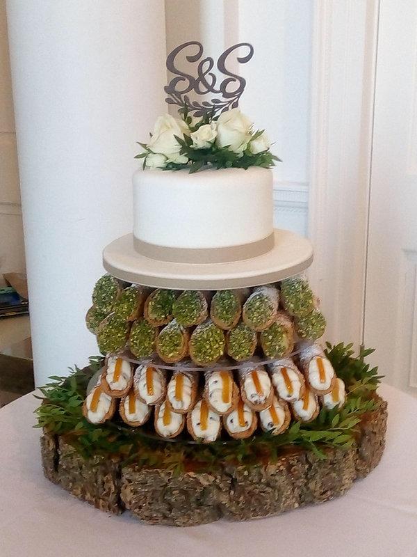 Cafe_Cannoli_Wedding_Cake.JPG