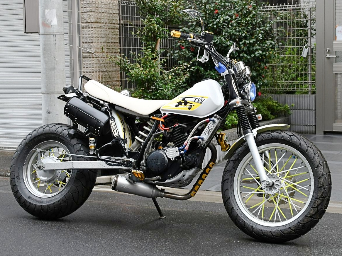 ヤマハ TW225E