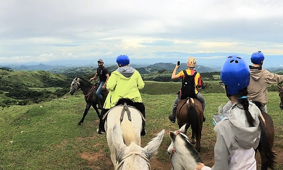 SOC Equus Horseback Ride - Monteverde