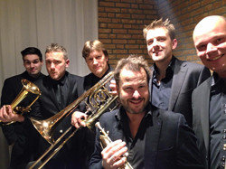 Extended hornsection (Holy Horns)
