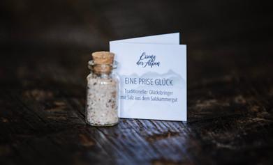Salz soll nach der Überlieferung Glück bringen und vor dem Bösen schützen.
