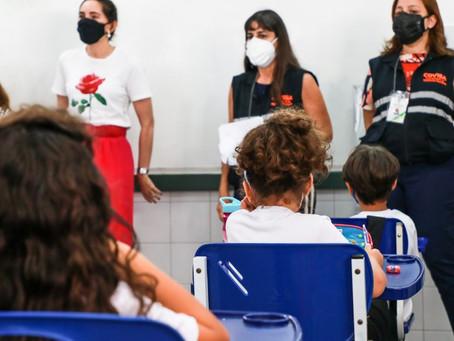 Vigilância Sanitária conscientiza estudantes sobre cuidados contra a Covid-19