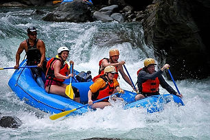 pacuare river rafting tour.jpg